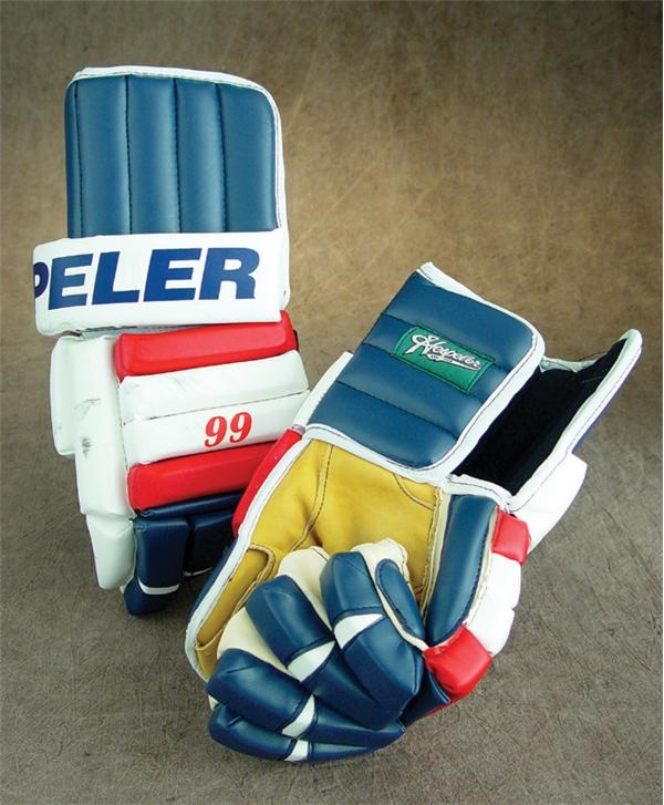 1998-99 Wayne Gretzky NY Rangers Game Worn Gloves