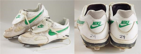 Rickey Henderson Game Worn Cleats