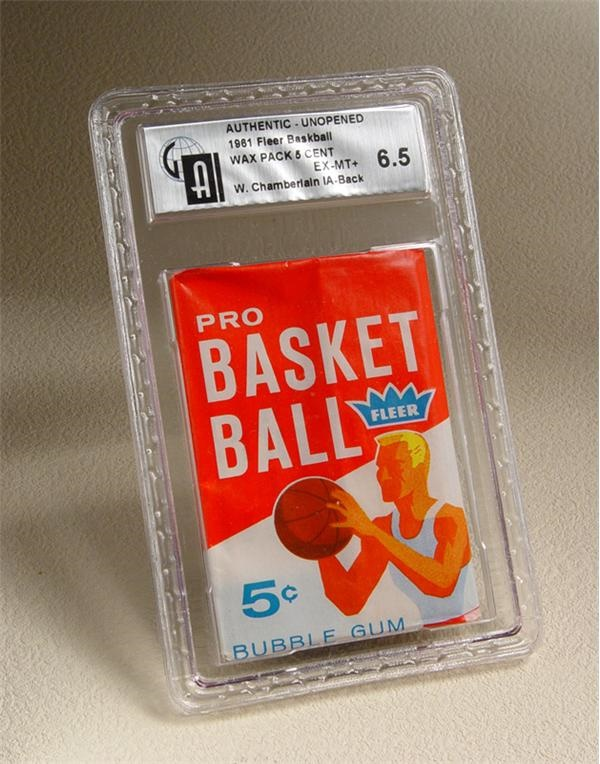 1961/62 Fleer Basketball Wax Pack with Wilt Chamberlain In Action On Back GAI 6.5