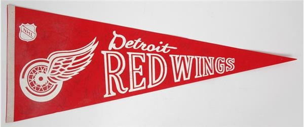 1979-80 Detroit Red Winds Team Signed Pennant