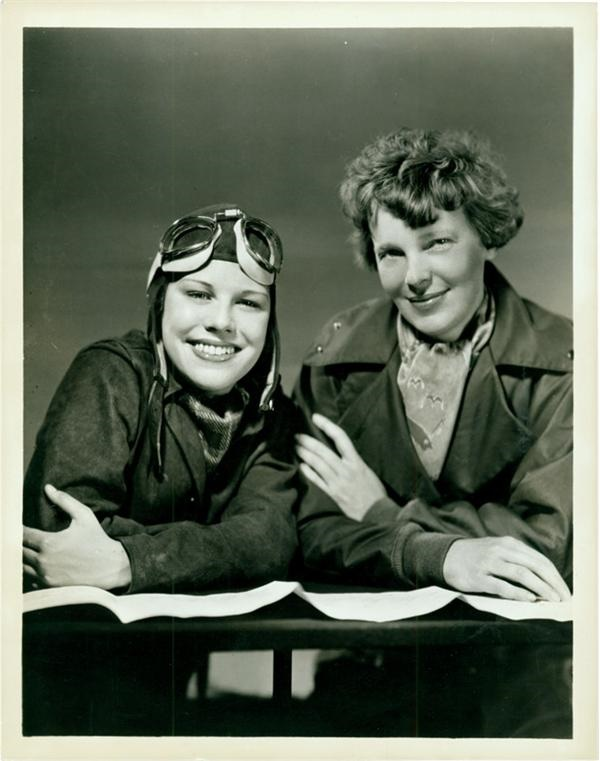 Amelia Earhart Hits the Radio Waves (1935)