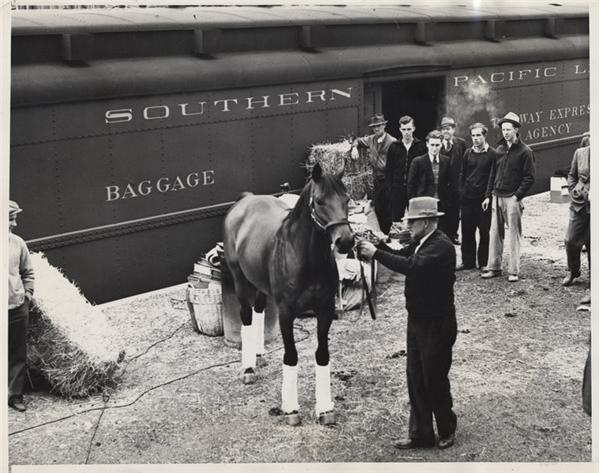 Seabiscuit Arrives for War Admiral Race (1938)