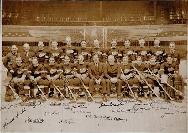1936-1937 Detroit Red Wings First Stanley Cup Championship Team Signed Photo