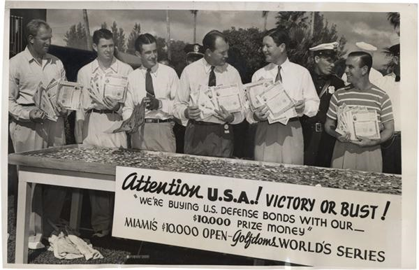 Golfers Dollars For Defense News Service Photo(1941)