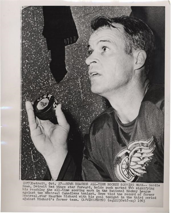 Gordie Howe Reaches All-Time Scoring Mark Hockey Wire Photo(1963)