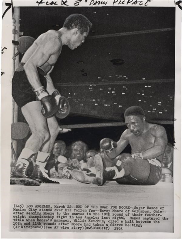 Boxer Davey Moore Dies Photograph Collection (11)
