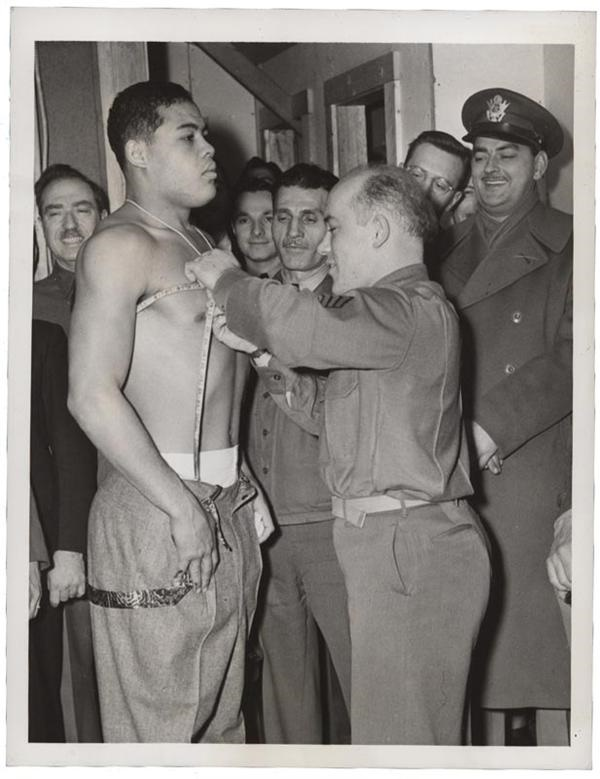 Joe Louis The Army Takes The Champ's Measure (1942)