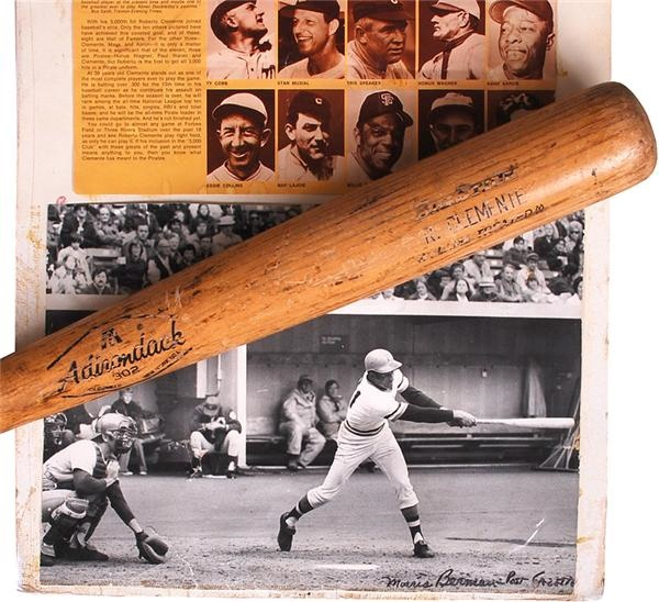 1968-70 Roberto Clemente Game Used Bat and Originial 11 x 14 3000th Hit Photo Signed by Photographer