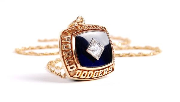 1981 Los Angeles Dodger World Series Pendant