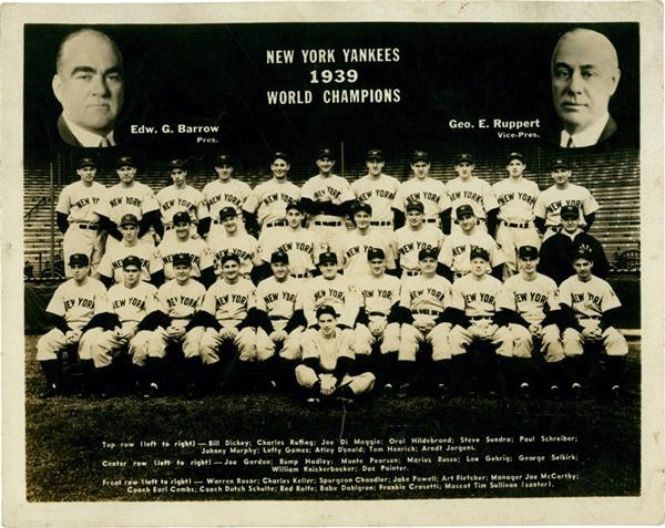 1939 New York Yankees Team Photo with Lou Gehrig