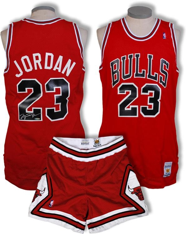 1988 Micheal Jordan Chicago Bulls Game Worn and Signed Jersey (UDA)