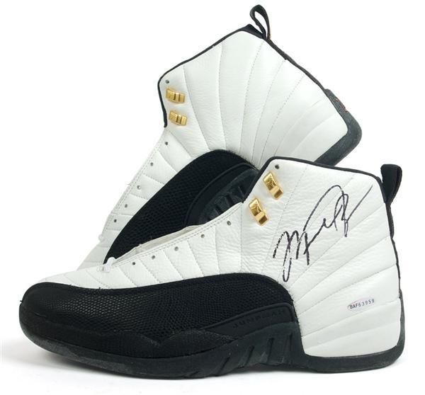 Michael Jordan Signed Air Jordan Shoes (UDA)