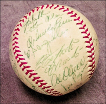 1970 Pittsburgh Pirates Team Signed Baseball