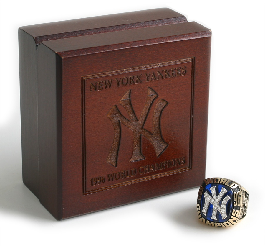 NY Yankees, Giants & Mets - November 2010 Catalog