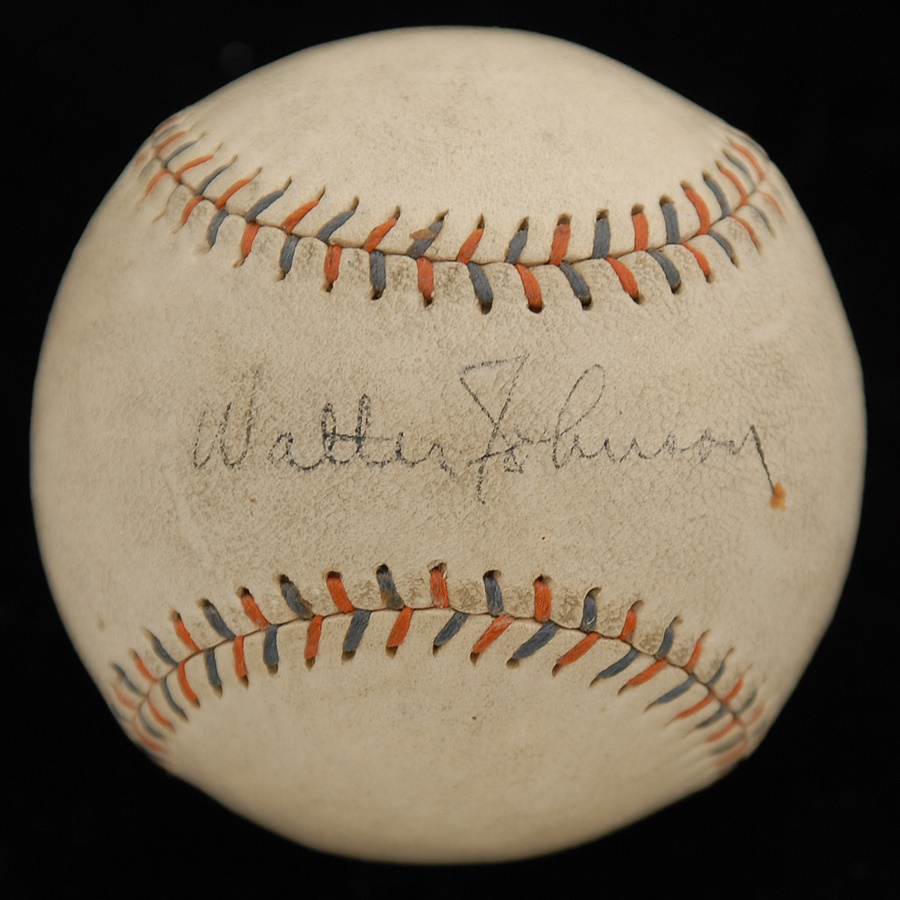 Baseball Autographs - November 2010 Catalog