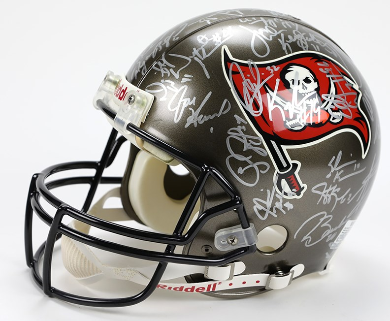 Tampa Bay Buccaneers 2002 Team Signed Helmet (SB Champs)