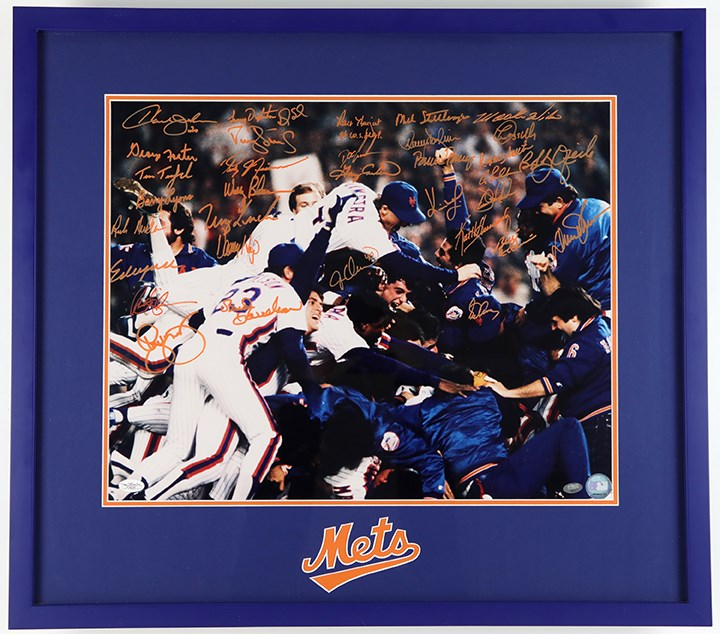 1986 World Champion New York Mets Team Signed Photograph